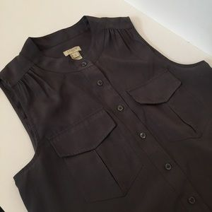 ♥️4 for $20 J. Crew Sleeveless Top button down